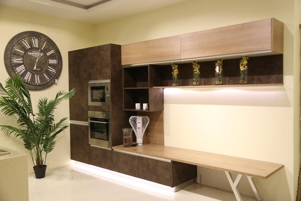 Italian architect alfredo zengiaro collaborates with for Kitchen designs pakistani