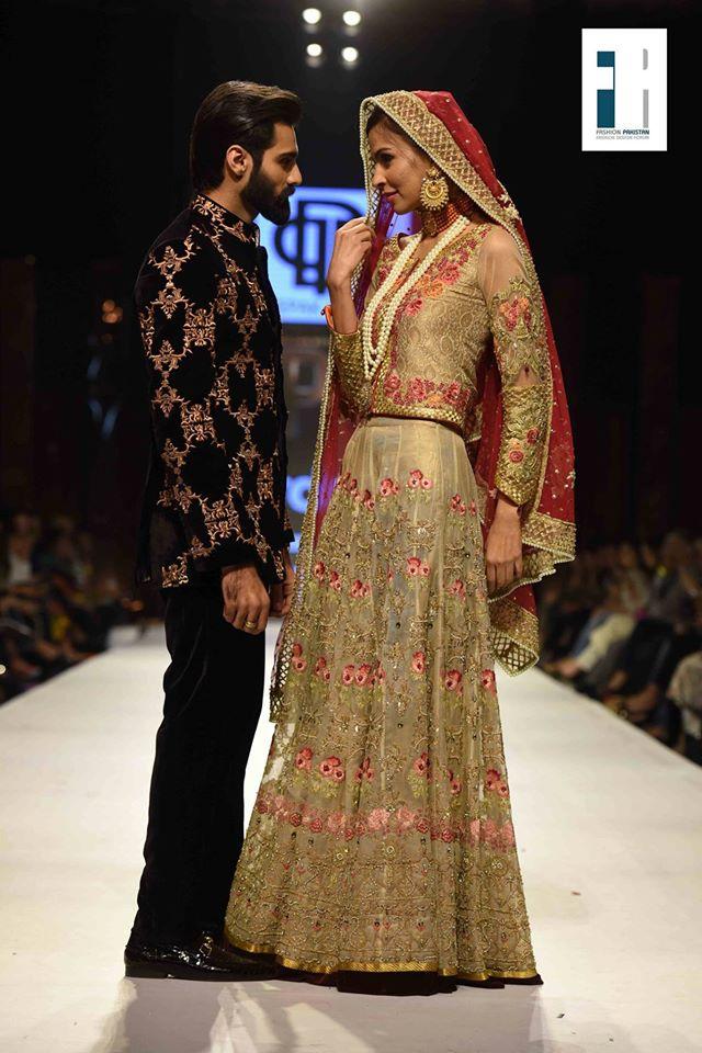 LaVie En Rose by Deepak Perwani at FPW15