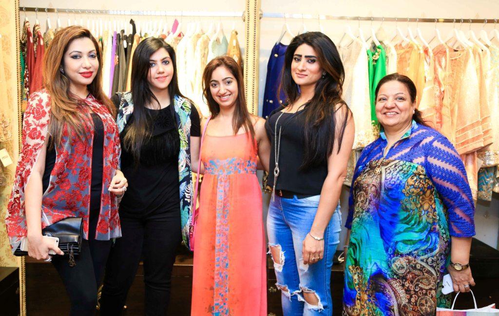 Safa Khan, Sundus Faisal, Taruna Sajnani, Rozy Khan & Mrs sajnani