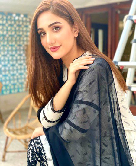 Know her more: Actress Aiza Awan - Trendinginsocial.com: Latest Entertainment, Fashion, Technology, Business, Travel & Sports News